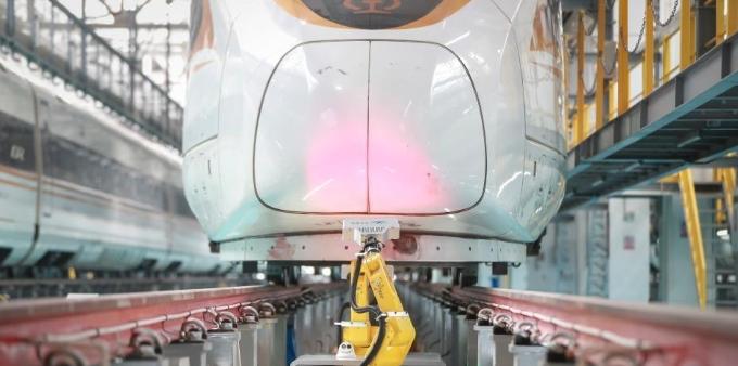 北京:智能动车检修机器人保春运