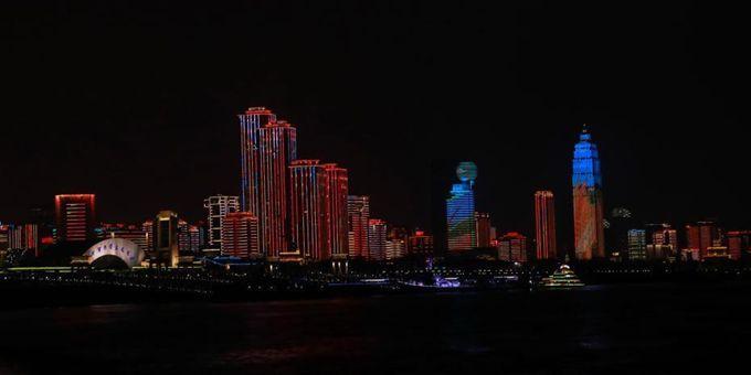 湖北武汉推出赏樱季长江主题灯光秀