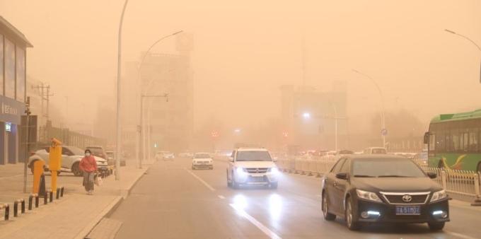 宁夏遭遇沙尘暴天气