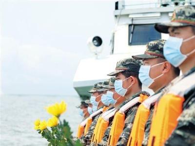 南粤海上悼先烈 烈士碑前诉忠诚