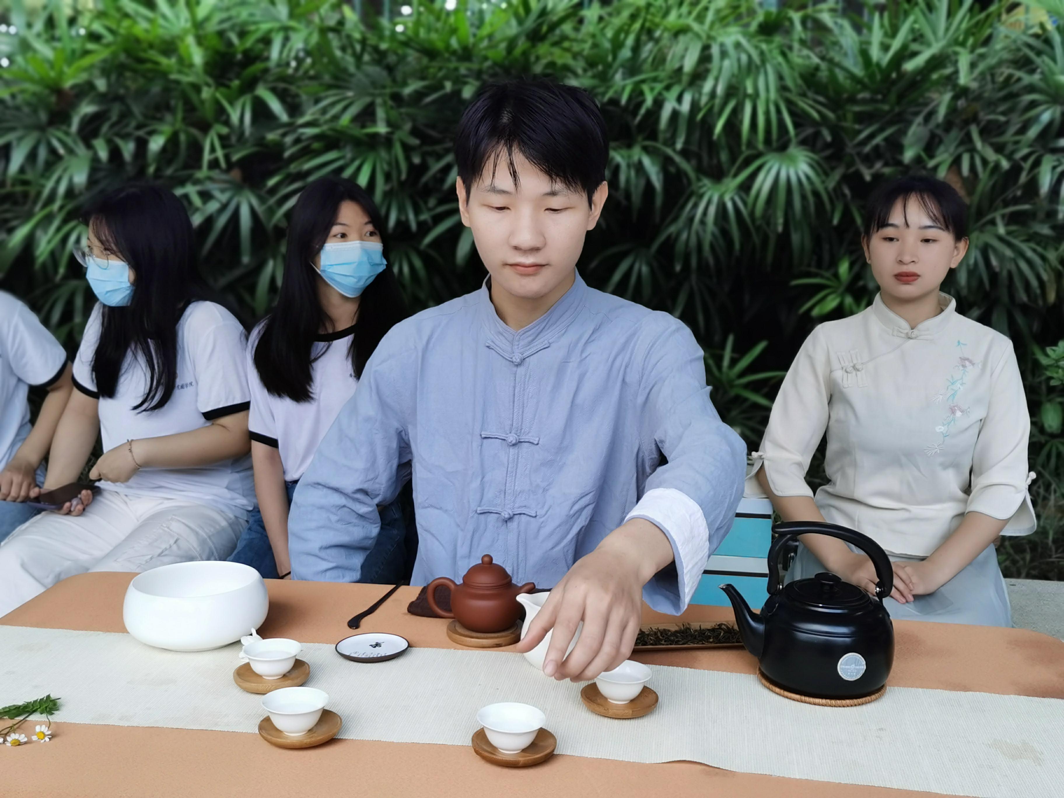 【视频】上巳节,麓湖畔,城市学院携手岭南名家寄怀兰亭