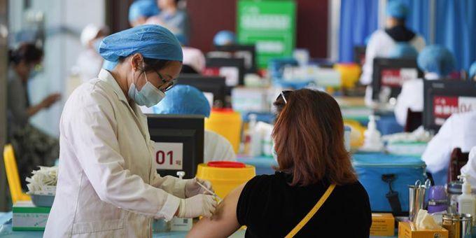 昆明多个方舱式新冠疫苗接种点陆续启用