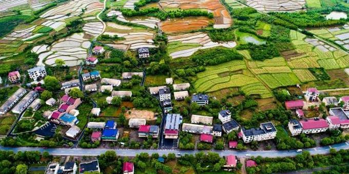 航拍江西新余富民农业 绘就美丽乡村振兴新画卷