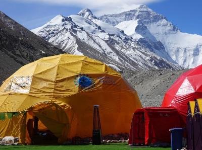 探访海拔5200米的珠峰北坡登山大本营