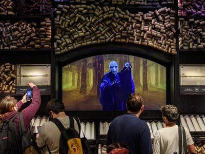 全球最大哈利波特旗舰店正式开业 亲身体验魔法世界