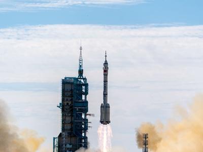 神舟十二号载人飞船发射任务取得圆满成功