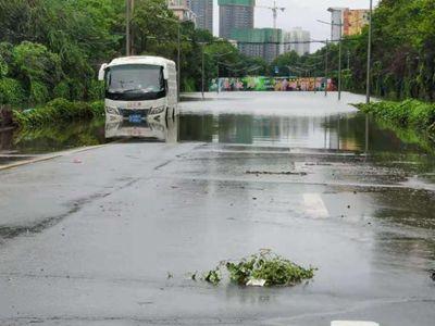直击洪水消退后的河南郑州街头