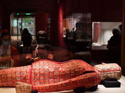 广州330余件秦汉考古文物亮相国家博物馆