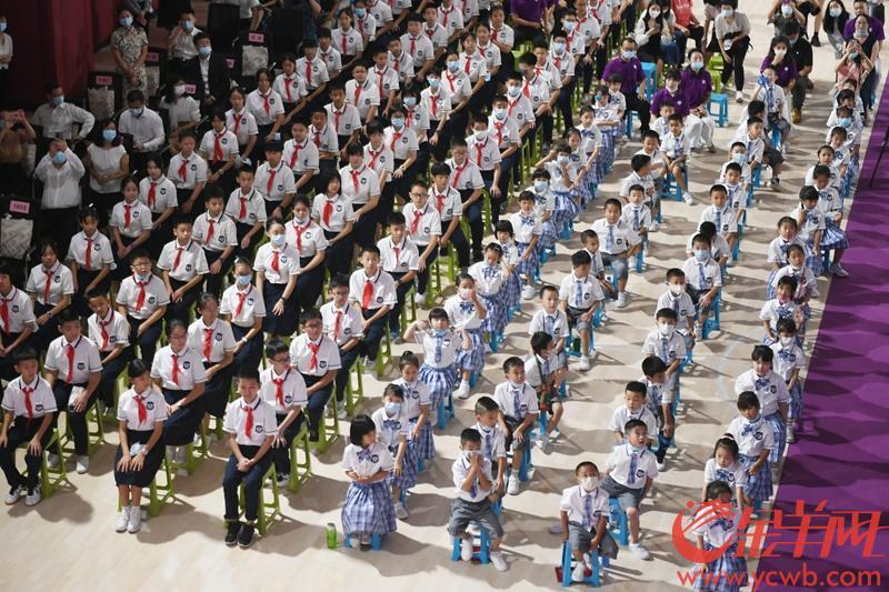 2021年9月1日,广州新名校清华附中湾区学校,新生入学羊城晚报记者 林桂炎 摄