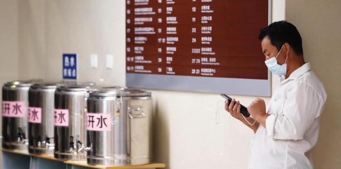 """迎战台风""""灿都"""":上海累计转移安置33.1万人"""