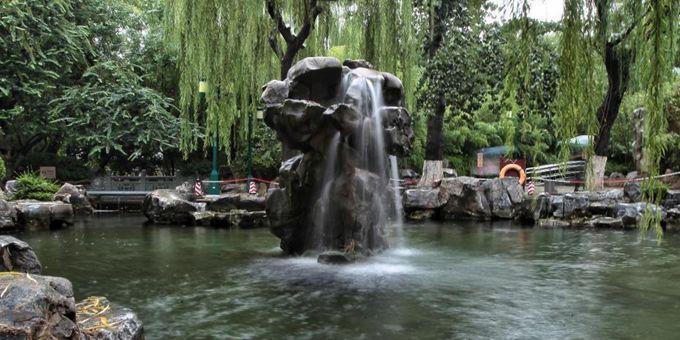 """济南:月牙泉再现""""月牙飞瀑""""景观"""