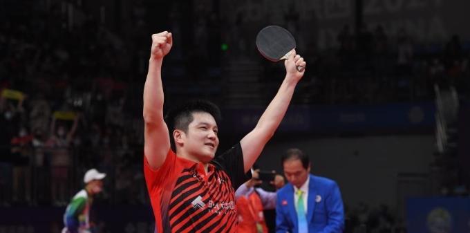 乒乓球男团赛:广东队夺冠