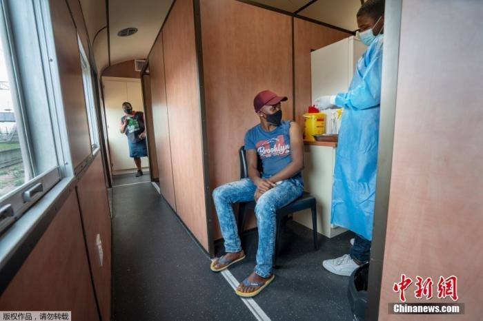 世卫:非洲1/3国家 仅10%人口完成新冠疫苗接种