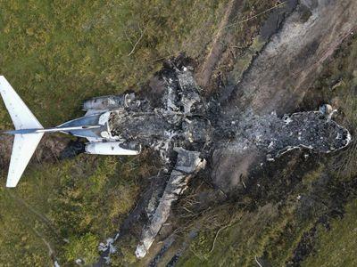 美国发生飞机坠毁事故 机上21人全部生还
