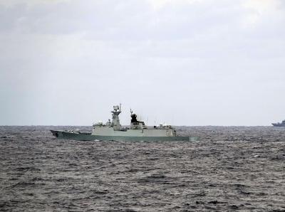中俄首次海上联合巡航遭遇外国舰机跟踪侦察